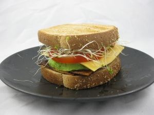 Sandwich with Tofaken (Tofu Bacon)