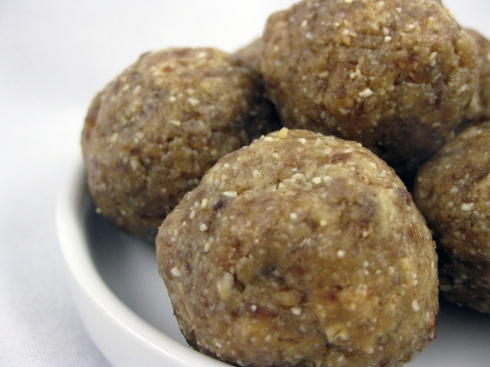Raw Nut Butter Cookie Balls